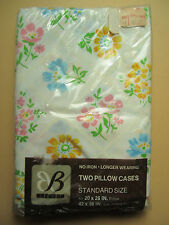 New in Pkg of 2 Standard Pillowcases -Vintage 1970's Bibb Trellis Flowers Floral