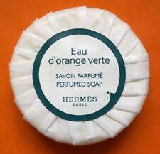Savon parfumé Eau d'orange verte - HERMES Paris. 6 cm x 2 cm - 50 grs.