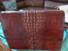 sac pochette crocodile bordeaux avec bandouliere 32 sur 25 doublé cuir