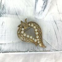 Vintage Gold-tone Pearl Flower Pin Brooch - Unsigned Beauty