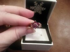 STUNNING RUBY  9ct YELLOW GOLD RING SIZE O , HALLMARK AS IN PHOTOS