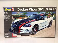 +++ Revell Dodge Viper SRT10 ACR 1:25 07079