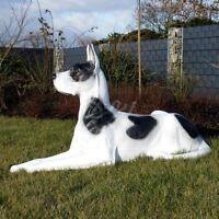 DEUTSCHE DOGGE lebensgroß 100 cm HUND liegend Hundefigur Garten Deko Tier Figur