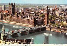 B97666 the houses of parliament london ship bateaux westminster bridge  uk