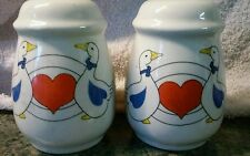 Salt and pepper shakers ducks and hearts vintage Free Shipping