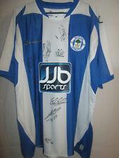 Wigan Athletic 2008-2009 Squad Firmado Home Football Shirt Con Coa / 7642
