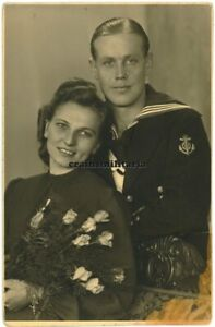 Orig. Foto AK Portrait Hochzeit U-Boot U-620 Matrose m. Frau in WALDENBURG 1942