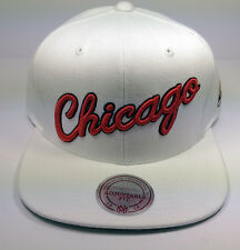 Chicago Bulls Mitchell & Ness Vintage Script Solid White Red Snapback Hat NBA