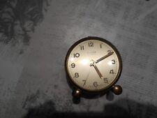 Vieux réveil mécanique Cyma Amic Suisse horloge des années 50