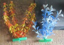 2 plantes en plastic pour aquarium -  jaune et bleue