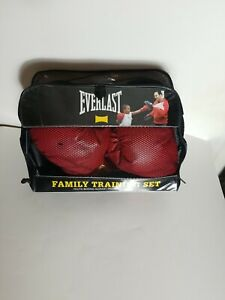 Everlast Youth/Adult Family Training Set Boxing Gloves Punch Mitts Red Black