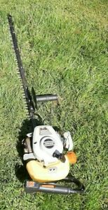Echo HC-2410 Gas 2-Cycle 23.6cc Single Sided Blade Hedge Trimmer Works Excellent