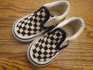 Vans Off The Wall size 5M infant black &  white checkerboard  slip-on shoes Ex.