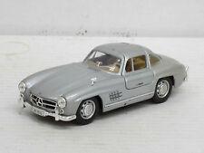 Mercedes-benz 300 sl Coupe plata, interior beige, Hongwell, o. OVP, 1:43 (HV)