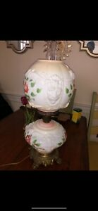 GONE WITH THE WIND VTG PUFFY LIONS HEAD FLORAL MILK-GLASS PARLOR LAMP