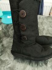 Ugg Bailey Triple Button Boots Black  Size 4.5 - Hologram - Needs  insoles