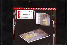 Green Strawberry Models HANGER DECK SET 1 Display Base Kit