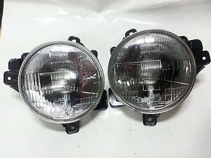Genuine HEAD LAMP ASSY-RH&LH 2 unit for Ssangyong KORANDO 97~06 #8310206100+
