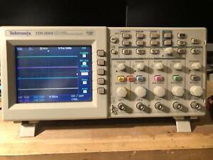 TEKTRONIX TDS2004 4 CHANNEL DIGITAL OSCILLOSCOPE
