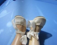 """Madame Alexander Maggie Walker Doll White Velvet Shoes With Ties 15"""" Dolls"""