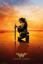 Wonder Woman a genoux Maxi Affiche Taille 91.5 x 61 cm FP4516