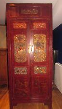 ancien meuble chinois en laque et sculpté de personnage armoire chinoise XIXe