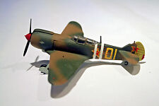 Lavochkin LA-5 Built-Up Plastic Model Airplane Soviet WWII Fighter  1/72