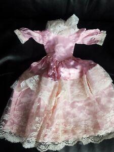 Poupée Bella cathie robe