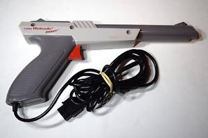 Zapper Light Gun Controller Gray OEM Nintendo NES-005 NES Console Game System