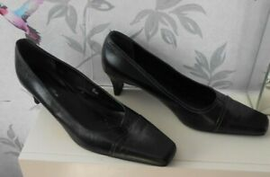 Wider Fit Court Shoes Size 8 low Heels