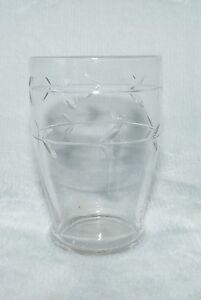 verre à liqueur ancien en cristal taillé  (REF 31)