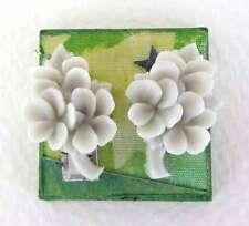 Vintage Japanese Plastic Flower Cabochon Light Grey Bouquet Blank Flatback 20mm