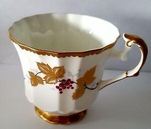 Taylor & Kent Porcelaine à Pied Tasse à Thé Elizabethan Angleterre