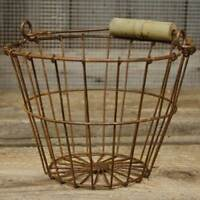 primitive country farmhouse kitchen display rusty Wire Egg Basket wood handle