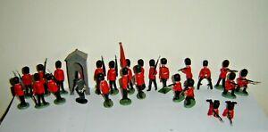 VINTAGE TOY SOLDIERS - 25 ENGLISH GRENADIER GUARDS - 1960s BRITAINS LTD