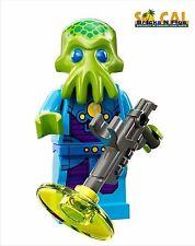LEGO MINIFIGURES SERIES 13 71008 Alien Trooper