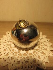 Ancienne boule de Noël argentée en verre Meisenthal