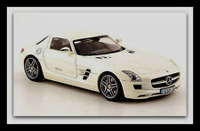 wonderful SCHUCO-modelcar MERCEDES SLS AMG 2010 - white metallic - scale 1/43
