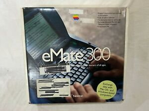 APPLE Newton eMate 300 With Original Box and Some Accessories