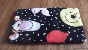 Handmade fleece pet mat/blanket for carrier Disney Winnie the pooh reversible