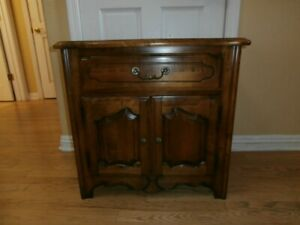 Ethan Allen Country French Nightstand  EX