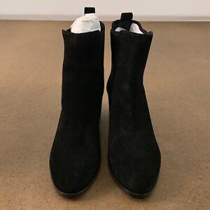 Banana Republic Women's Shoe Size 8.5 Black Low Block Heel Chelsea Boots NEW