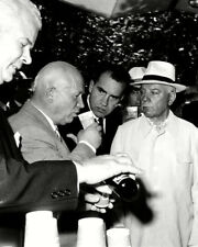 Richard Nixon UNSIGNED photo - K9458 - With Nikita Khrushchev