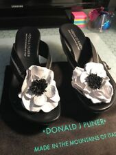 Donald J Pliner Cheong Black & White Flower Leather Thong Platform Sandals 10