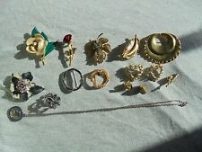 VINTAGE JEWELRY LOT OF 14 BROOCHES PINS ENAMEL FLOWERS plus 1 necklace
