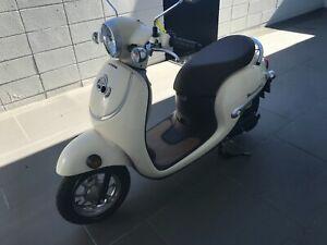 Honda Metropoliton scooter 49cc used, only 120mi, Yamaha, Vespa, Klymco, Piaggio