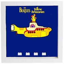 LEGO Figurine Display Case Frame The Beatles Yellow Submarine minifigs