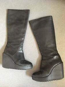 FLY LONDON BLACK LEATHER HIGH WEDGE HEELS ZIP UP KNEE HIGH BOOTS  sz 4 EUR 37