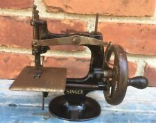 Good Antique Singer Miniature Toy Sewing Machine, Good Condition