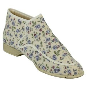 Ladies Clarks Everyday Cotton Hook & Loop Full Slipper - Brady - UK 5 - Cream